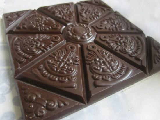 Mould of Rózsavölgyi Csokoládé Dark Chocolate 77% With Cardamom - www.foodnerd4life.com