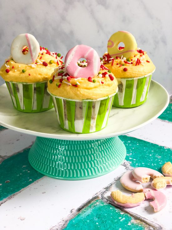 Strawberry and Custard Cupcakes with Brokenn Biscuits - www.foodnerd4life.com