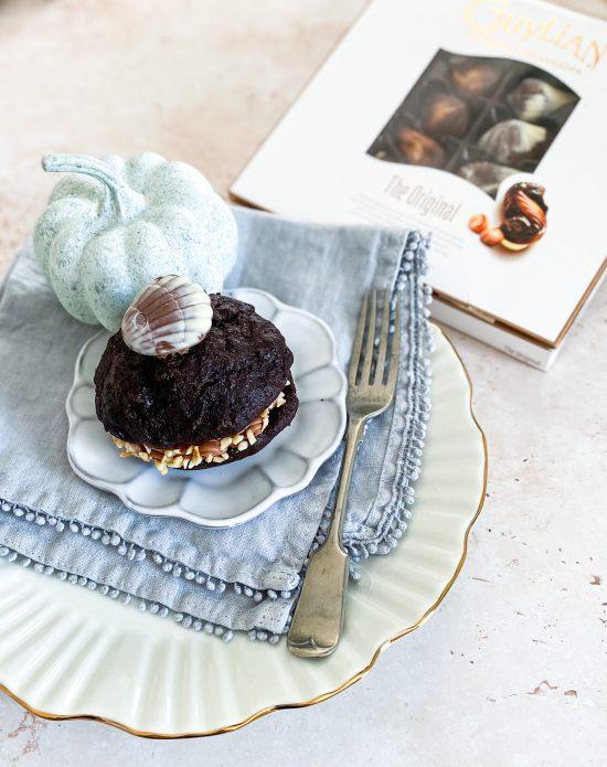 Hazelnut & Chocolate Whoppie Pies with Guylian Box - www.foodnerd4life.com