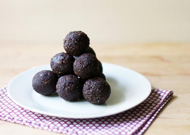Raw Cocoa Bites