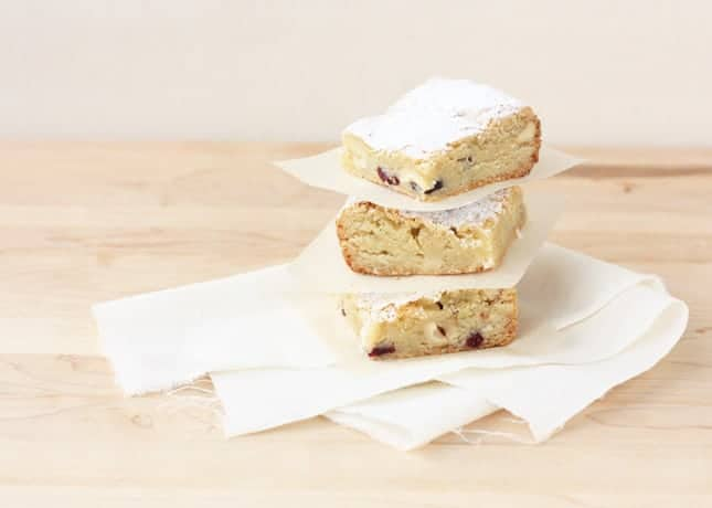 White Chocolate & Hazelnut Blondies // FoodNouveau.com