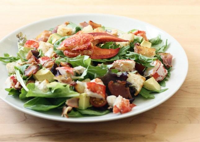 Lobster Club Salad with Champagne Vinaigrette // FoodNouveau.com