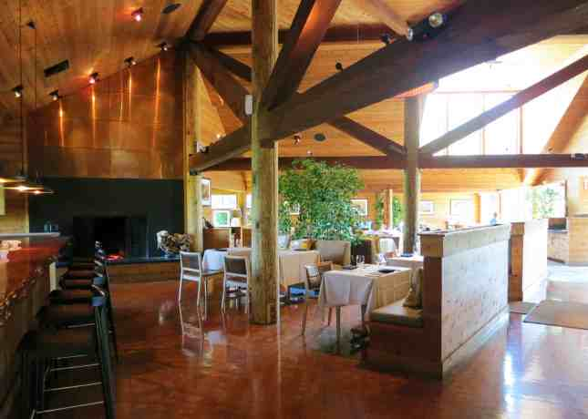Ventana Big Sur's elegant lodge-inspired interiors // FoodNouveau.com