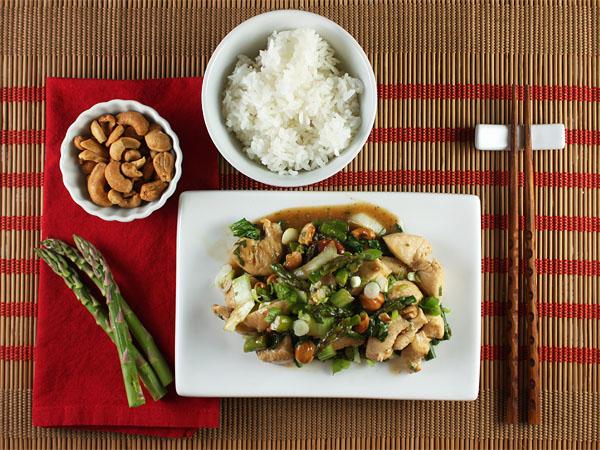 Chicken Stir-Fry with Asparagus and Cashews // FoodNouveau.com
