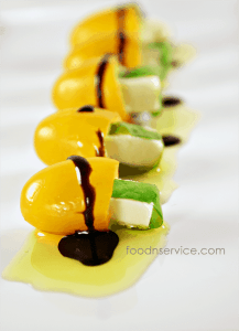 Mini Tomato Caprese Appetizer recipe! Super healthy & Clean eating, too.