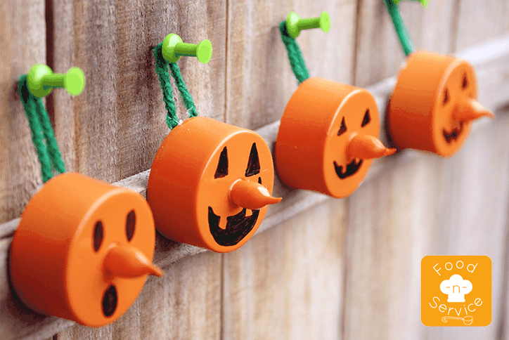 DIY Halloween pumpkin tea light decorations