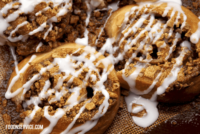 These golden grahams cinnamon rolls are going to be your newest obsession in life!