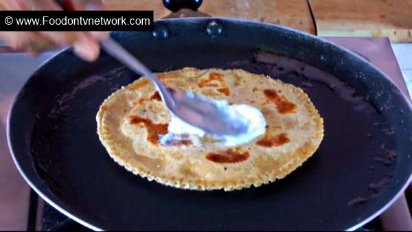 How to Cook Cheese & Apple Paratha Recipe.
