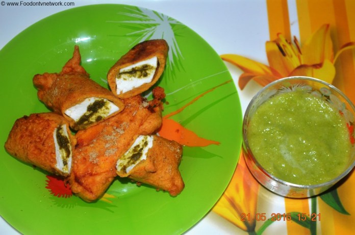Paneer Pakoda Recipe. Indian Pakoda Recipe. Indian Fritters Recipe.