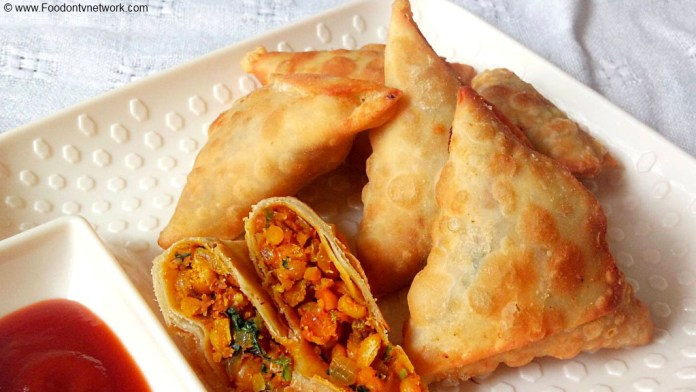 Chana Dal Samosa Recipe, Chanay ki Daal Ka Samosa Recipe, Dal Samosa Recipe, Gram Lentil Samosa Recipe, Samosa Recipe, Indian Street Food Recipe, Indian Fast Food Recipe.