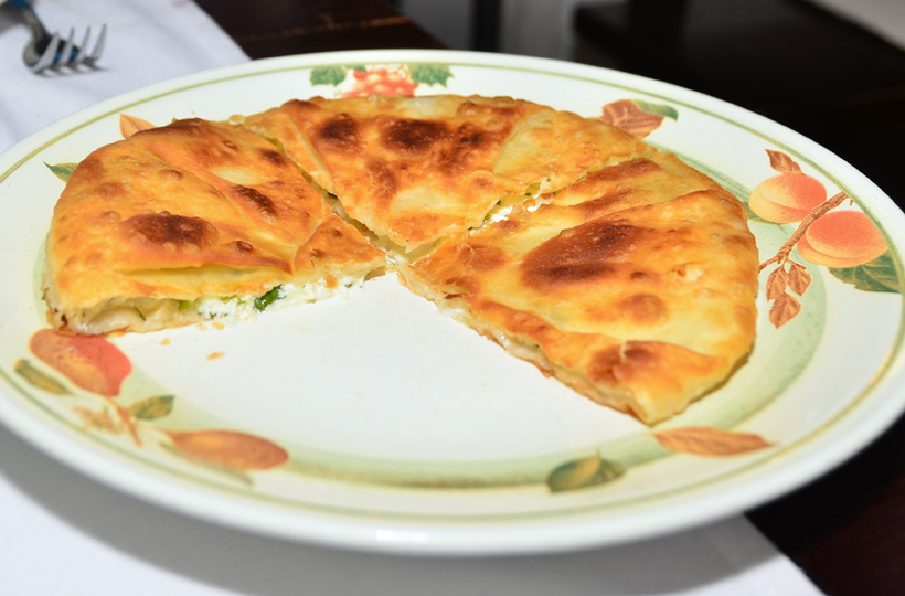 Moldovan Food - Restaurant Vatra Neamului - Cheese Pie