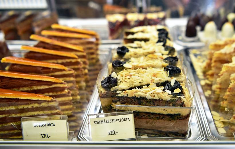 Sopron - Szamos Pastry Shop - Szatmár Plum Cake