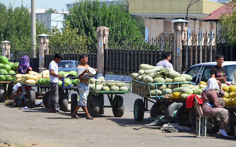 Tashkent - Melon Vendors near Chorsu Bazaar