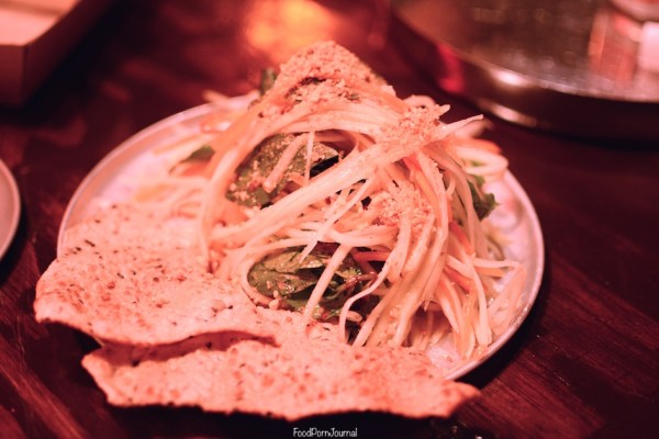 Belly Bao papaya salad
