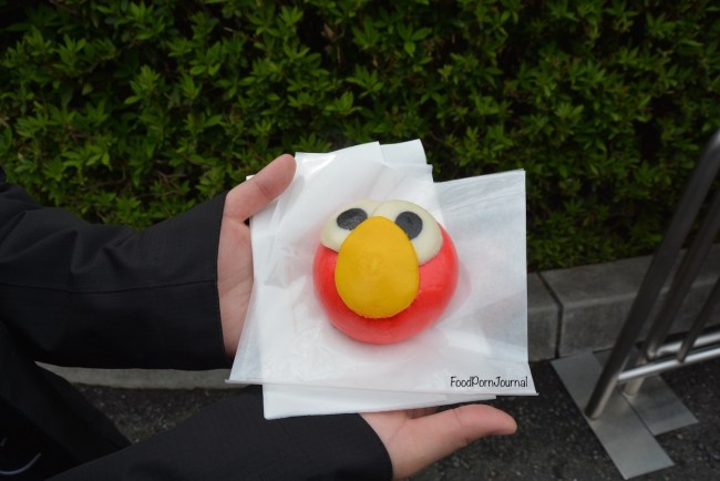 Osaka Japan Universal Stuidos elmo steam bun