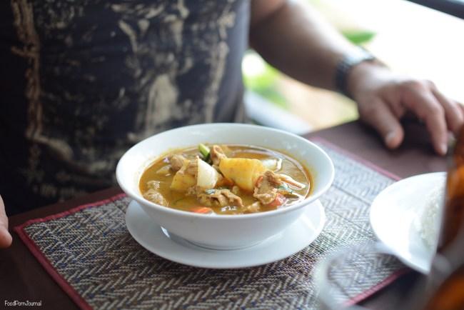 Luang Prabang yellow curry