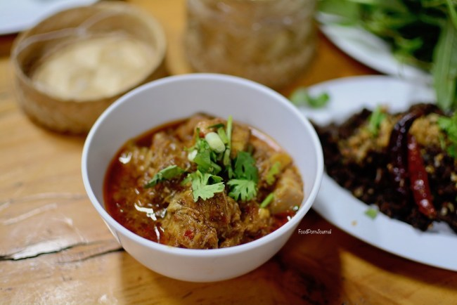 Sorn Chan Chiang Mai curry
