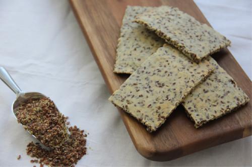 Amandelmeel-lijnzaad crackers