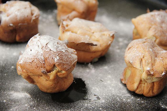 Glutenvrije pannenkoekmuffins met peer