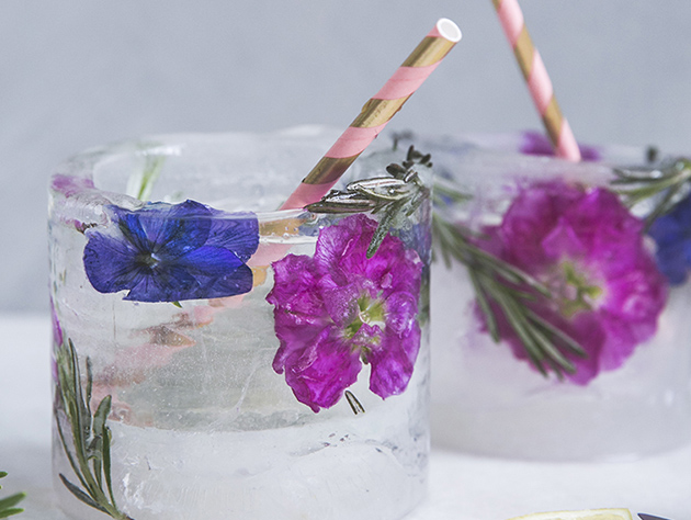 ijsglas met bloemen
