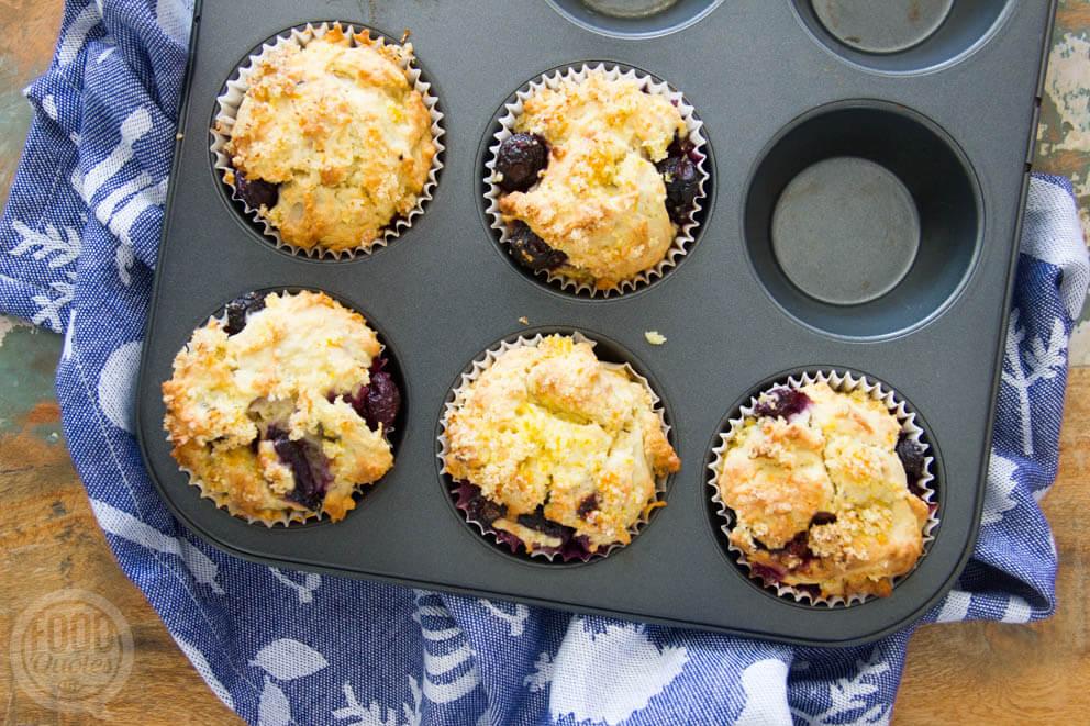 Muffins met blauwe bessen en sinaasappel