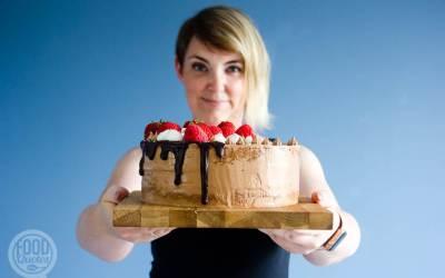 Chocolade dripcake met aardbeien