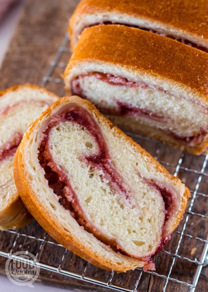 Aardbeien-cheesecake brood