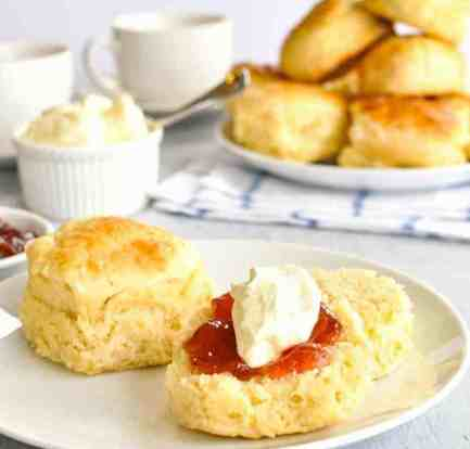 These 3-ingredient scones are pure magic 8