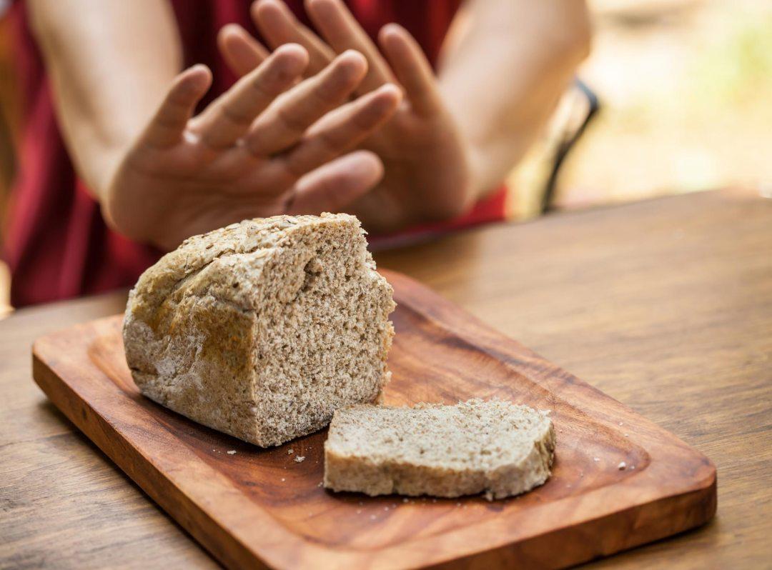 雙手不動麵包