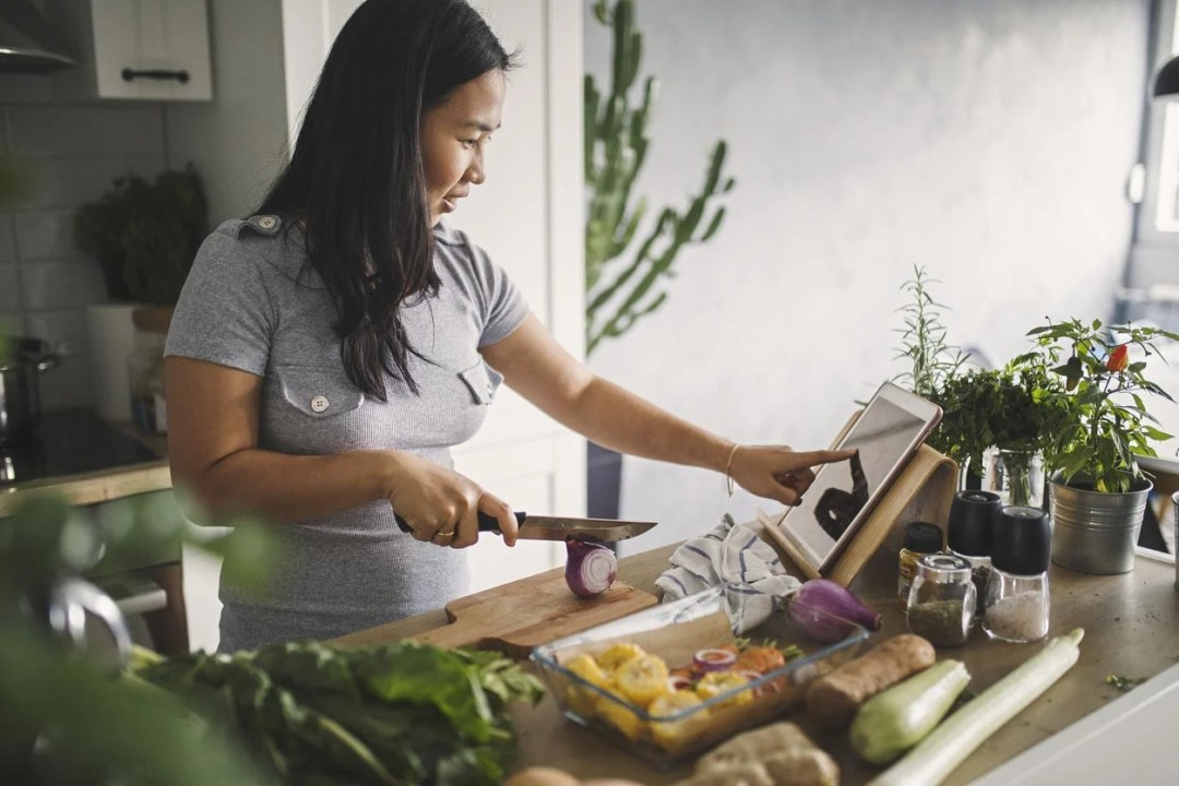 女人做健康的一餐