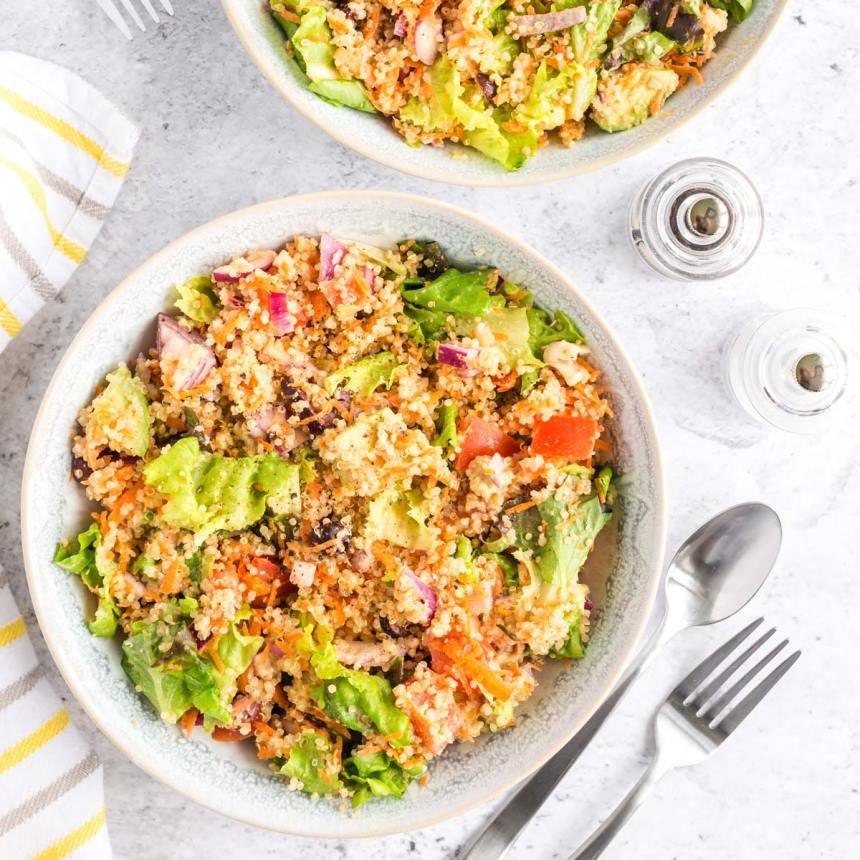 mediterranean quinoa breakfast bow