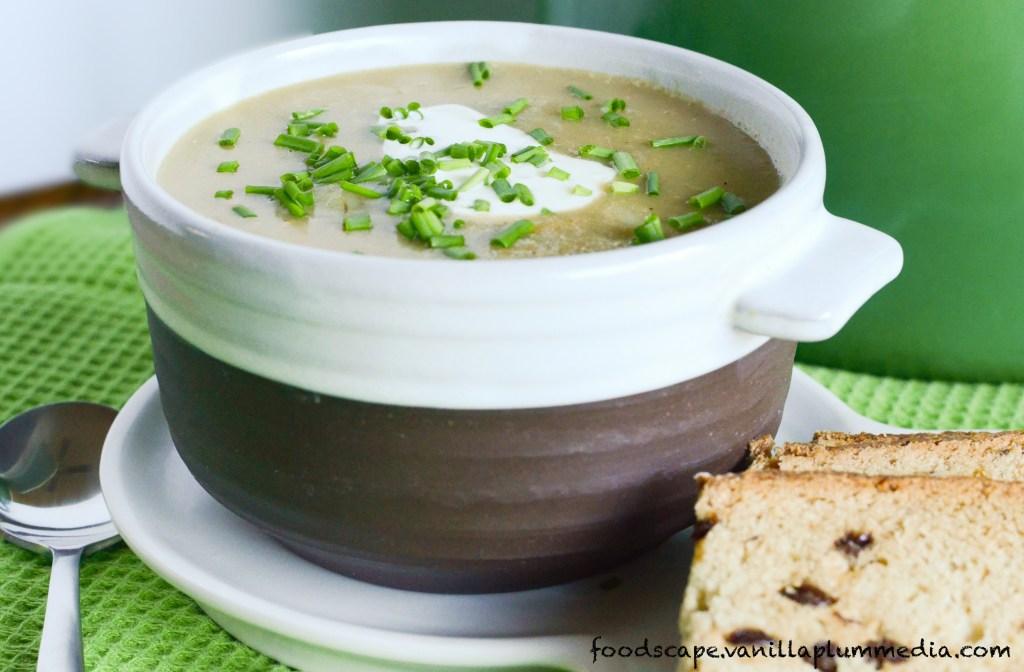 simple-potato-leek-soup-vegan