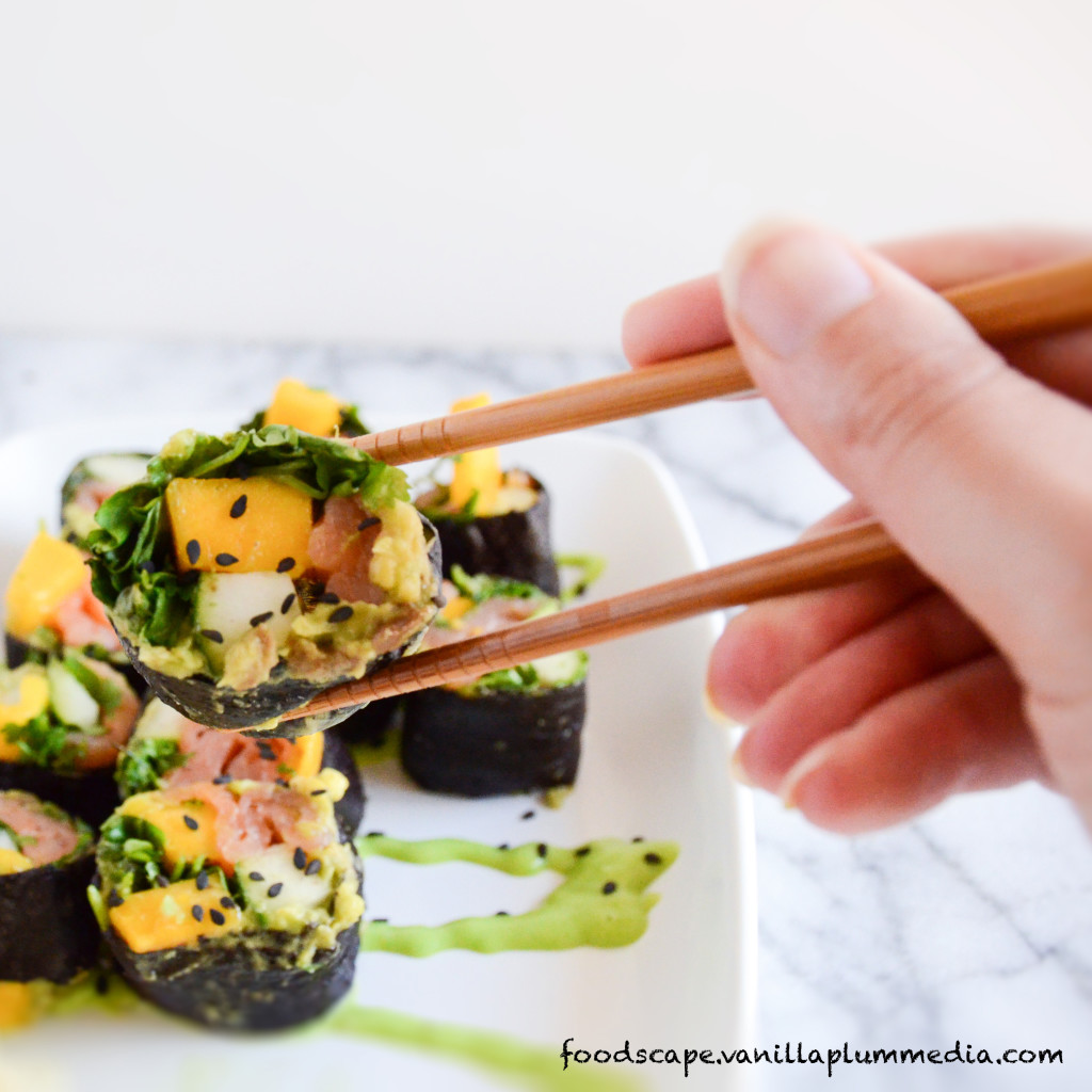 Smoked Salmon Sushi Roll with Avocado - Tastes amazing, rice free, easy to make and good for you!