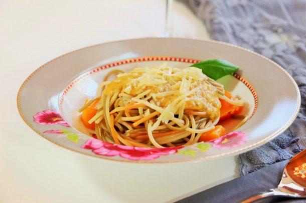Kübis, Bergkäse udn Spaghetti - Kürbis-Pesto Pasta