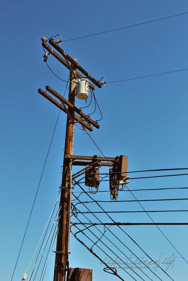 Das typische Bild in den USA - Stromleitungen