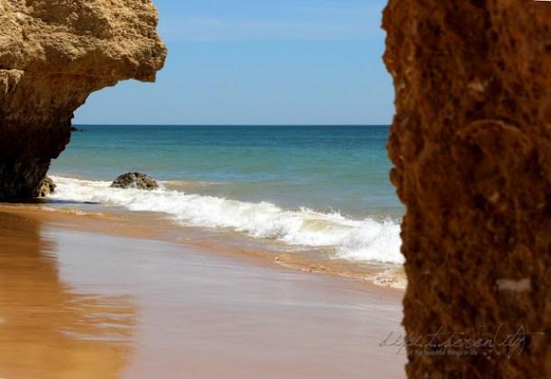 Strand am Restaurante Pedras Amarelas in Albufeira, Portugal
