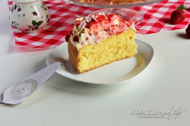 Biskuit-Erdbeeren-Paradiescreme