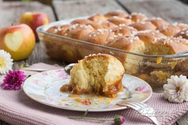 Brioche mit Apfelhonig und Apfelaufstrich