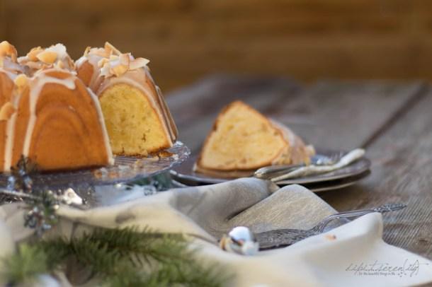 Kokos - Macadamia Rührkuchen mit einer snowy Rum Glasur