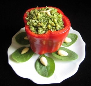 Spinach-Almond stuffed Pepper