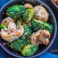 Broccoli and Mushrooms Stir-fry(Chinese style)