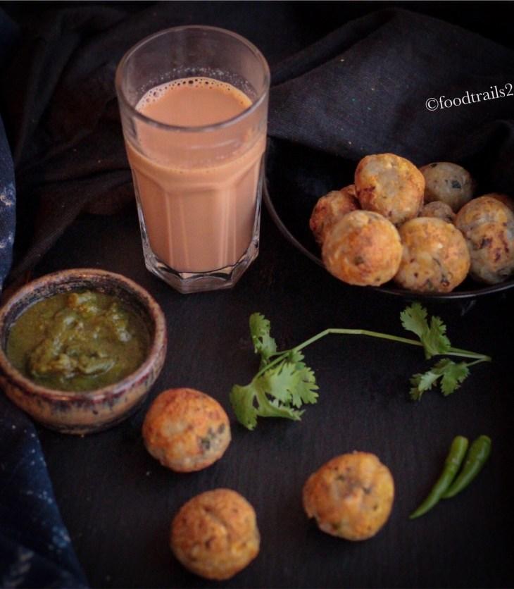 Aloo Makhana aur Kaju Pops