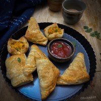 Spicy Potato Puff Pastry/Aloo Puffs