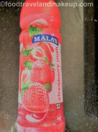 strawberry-falooda-lassi-foodtravelandmakeup-com-7