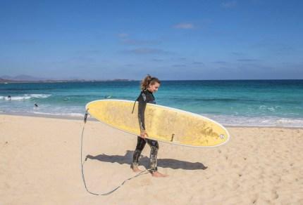 Leren golfsurfen op Fuerteventura
