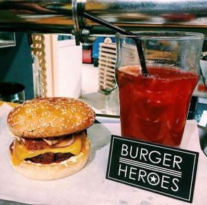 Бургер и лимонад Burger Heroes.