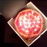 Пицца со свечами Папа Джонс.
