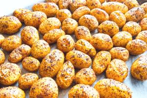 Kleine Ofen-Kartoffeln