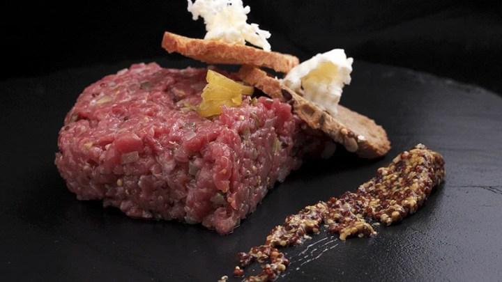 Steak tartare foodVAC - Sous Vide Fine Food for Haute Cuisine