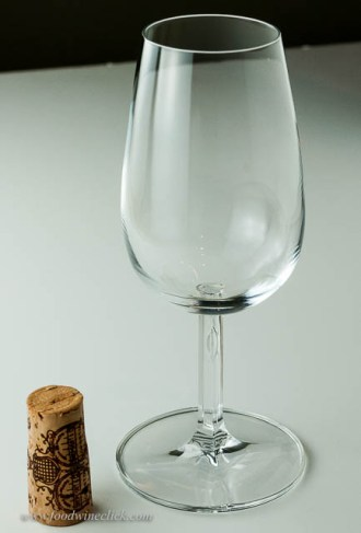 A proper, official Port glass. Small size & a little indent for your thumb to play with. Problem: This glass seems to be empty!